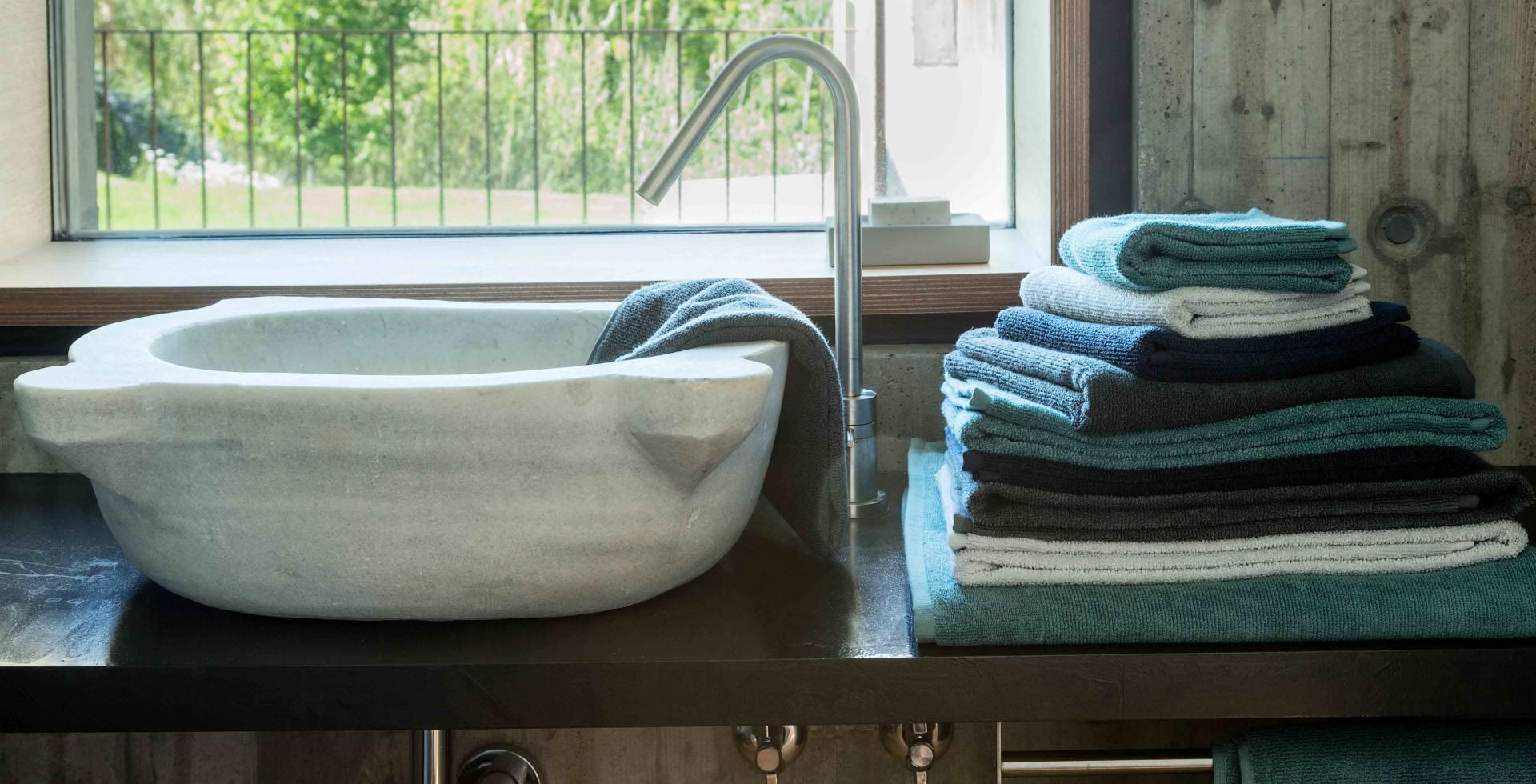 Badteppiche und Handtücher führender Hersteller online bestellen